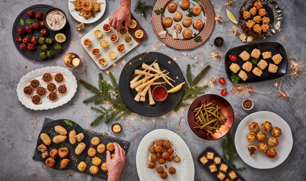 Christmas Buffet Table Selection Stiritup